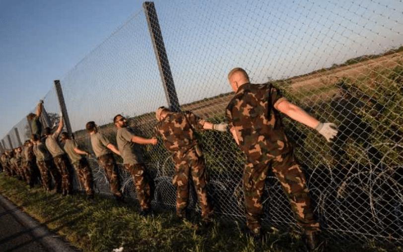 Macron remplace son ambassadeur en Hongrie, jugé pro-Orbán