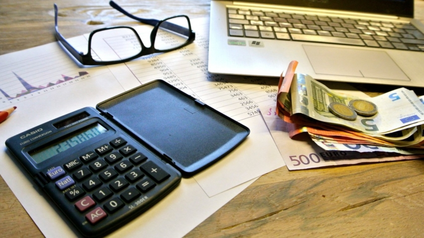 taxes_count_pay_lifestyle_quandary_currency_calculator_tax_return-734389.jpgd_-845x475.jpeg