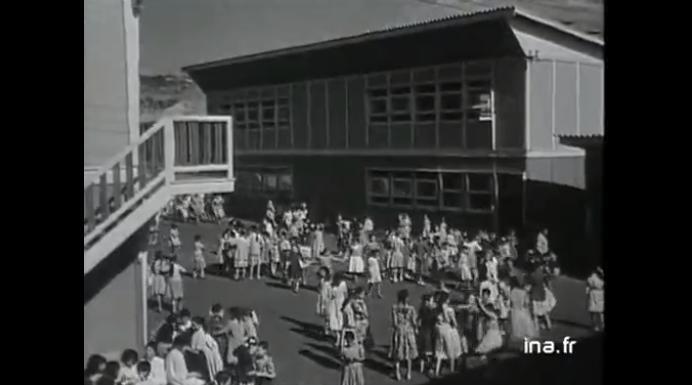 Un exemple de « crime contre l'humanité » : la rentrée des classes en Algérie, en 1959 Rentreedesclassesalgerie