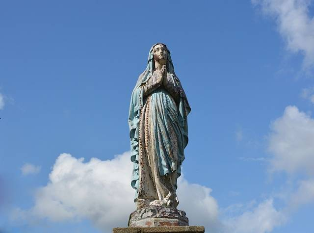 statue-holy-virgin-2710070_640-640x475.jpg
