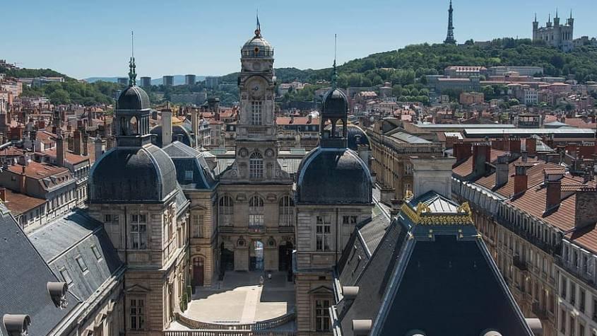 lyon-fourviere-mairie-de-lyon-roofs-france-basilica-architecture-monument-city-845x475.jpg