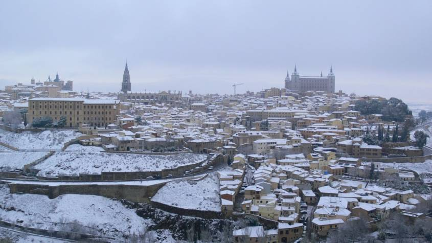 spain-madrid-old-city-toledo-architecture-skyline-city-cityscape-1015187-845x475.jpg